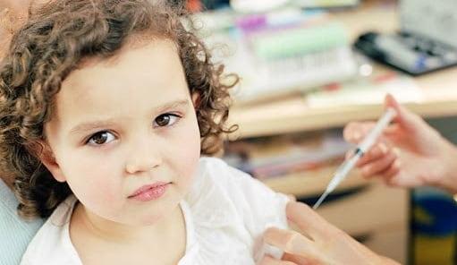 تزریق انسولین و سایر داروها برای درمان دیابت نوع 1